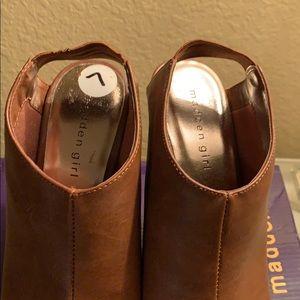 Wallup Cognac wedge heels